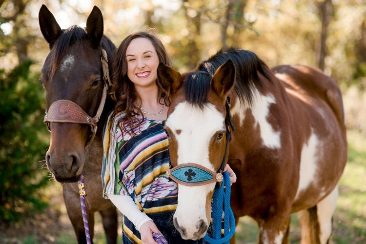 colt-and-haley-wright-trail-rides-and-cowboys-in-decatur-texas-by-kirstie-marie-photography_0002
