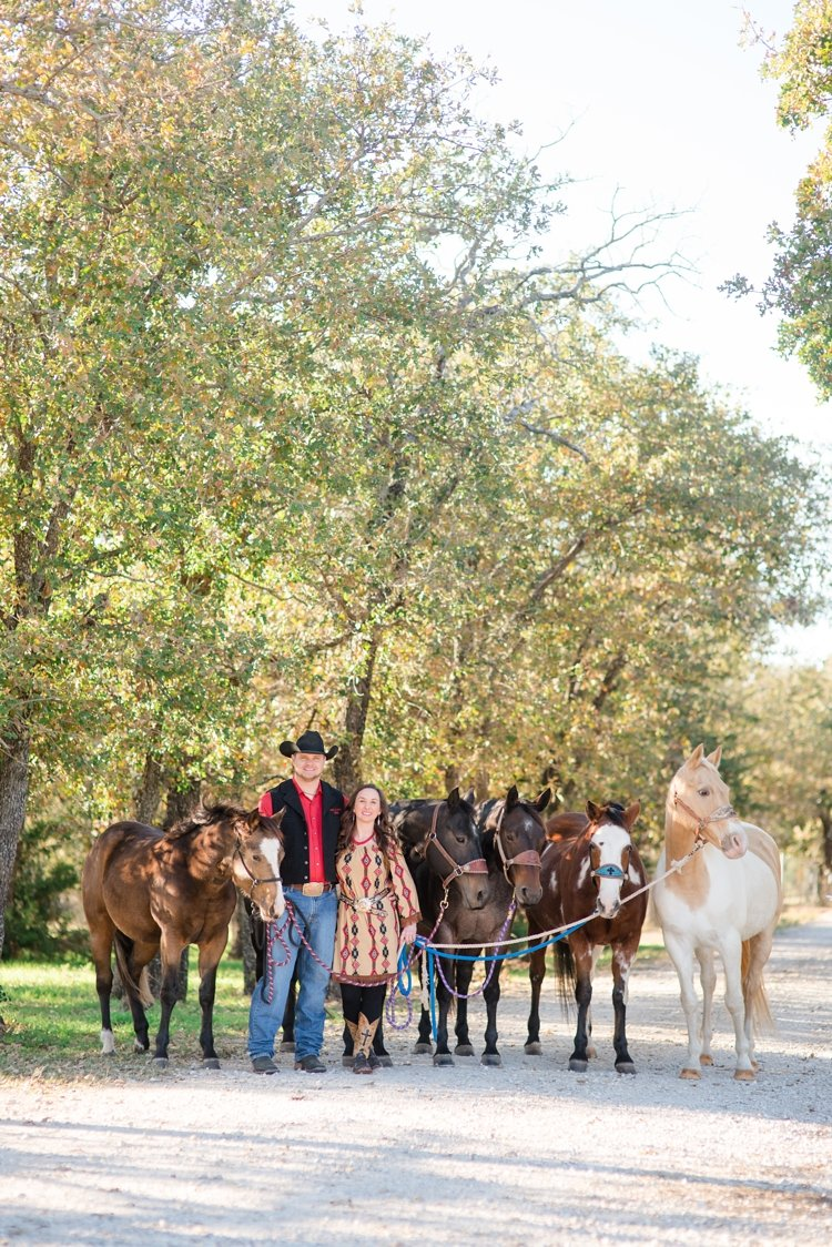 colt-and-haley-wright-trail-rides-and-cowboys-in-decatur-texas-by-kirstie-marie-photography_0004
