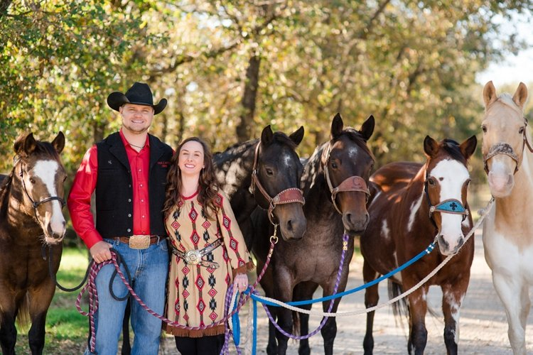colt-and-haley-wright-trail-rides-and-cowboys-in-decatur-texas-by-kirstie-marie-photography_0006