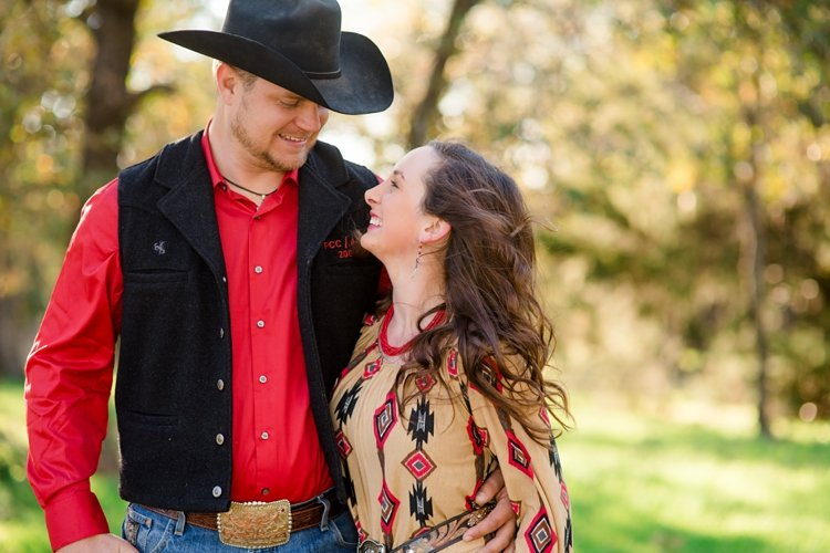 colt-and-haley-wright-trail-rides-and-cowboys-in-decatur-texas-by-kirstie-marie-photography_0011