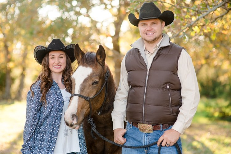 colt-and-haley-wright-trail-rides-and-cowboys-in-decatur-texas-by-kirstie-marie-photography_0012