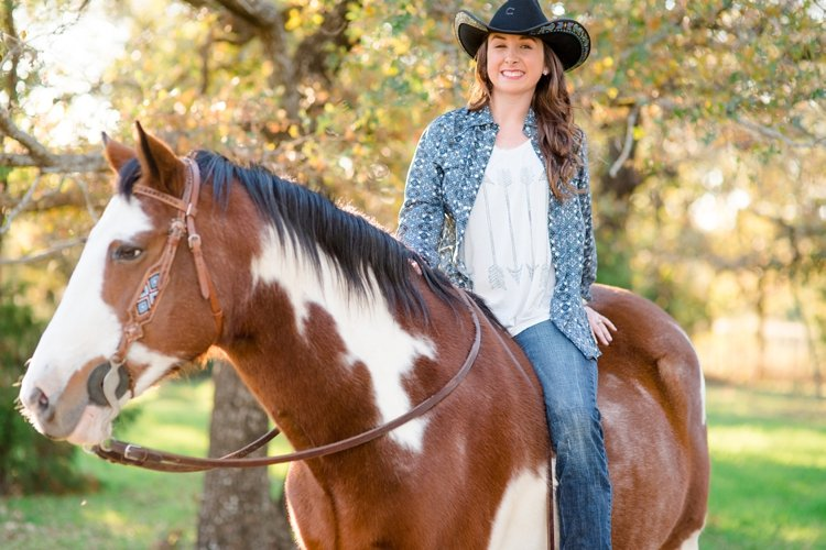 colt-and-haley-wright-trail-rides-and-cowboys-in-decatur-texas-by-kirstie-marie-photography_0013