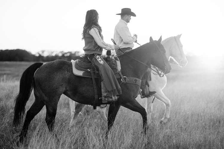 colt-and-haley-wright-trail-rides-and-cowboys-in-decatur-texas-by-kirstie-marie-photography_0028
