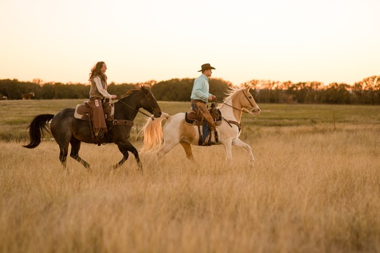colt-and-haley-wright-trail-rides-and-cowboys-in-decatur-texas-by-kirstie-marie-photography_0030