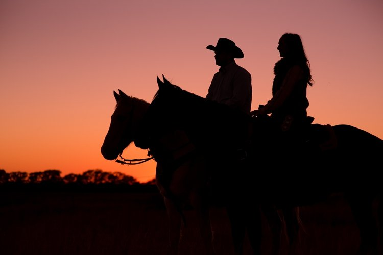 colt-and-haley-wright-trail-rides-and-cowboys-in-decatur-texas-by-kirstie-marie-photography_0034