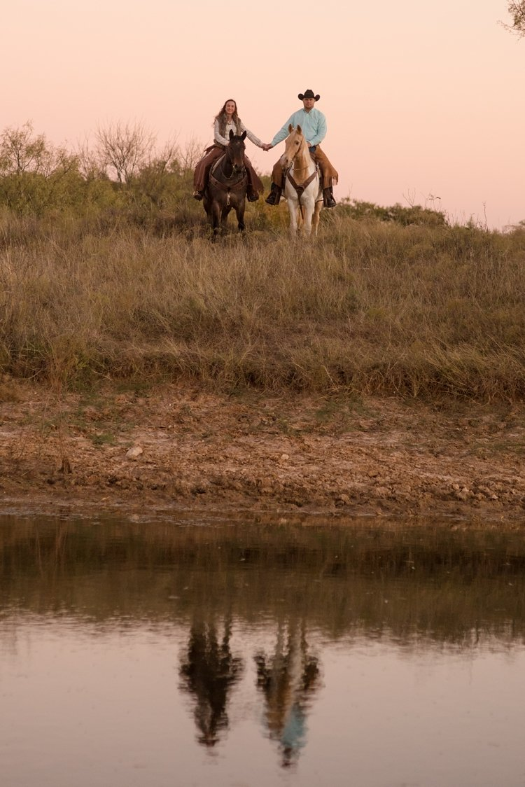 colt-and-haley-wright-trail-rides-and-cowboys-in-decatur-texas-by-kirstie-marie-photography_0035