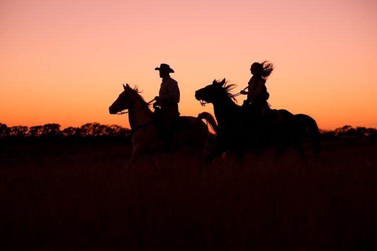 colt-and-haley-wright-trail-rides-and-cowboys-in-decatur-texas-by-kirstie-marie-photography_0036